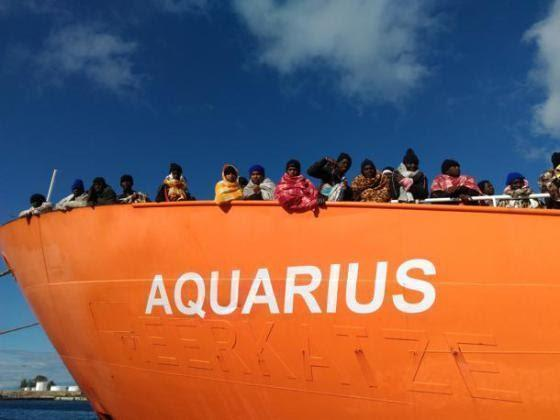 La nave Aquarius arriva a Valencia . Video