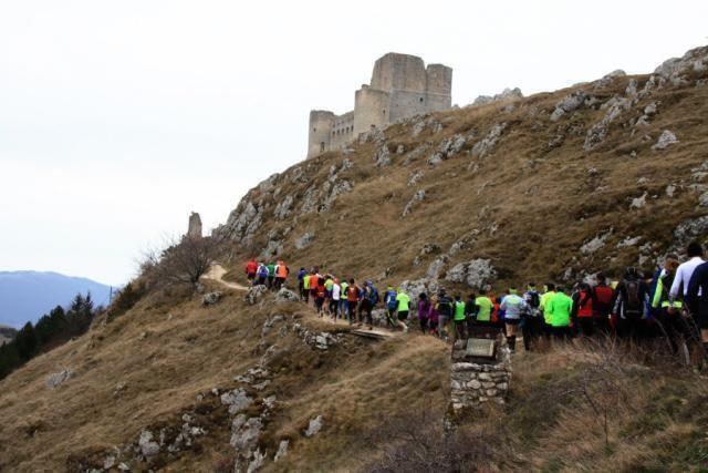 In viaggio verso Rocca Calascio in terra di Abruzzo
