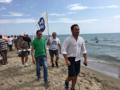 Tensioni tra leghisti e bagnanti a Castellaneta Marina