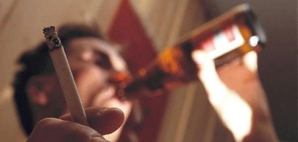 Fumo e alcol danneggiano le arterie in adolescenza