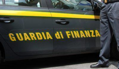 Percettori reddito cittadinanza, ma contrabbandieri. 2 arresti