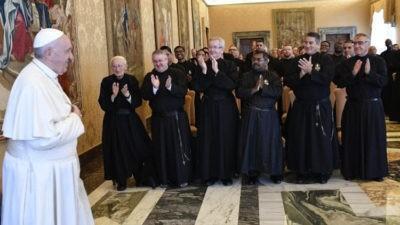 Papa ai Passionisti: con fedeltà creativa, siate vicini al mondo sofferente