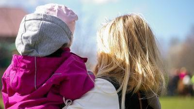 Mille euro al mese per le mamme a tempo pieno