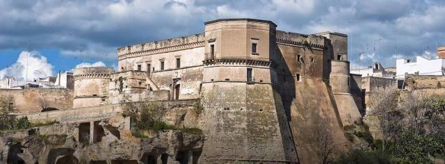 Crolli al Castello di Massafra, piovono le critiche dei GD