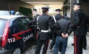 13enne venduta dalla madre, 6 arresti