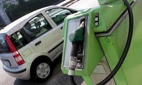 Benzina e diesel, ribassi a gogo