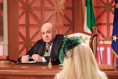 Intercettato con avvocato finito in manette, sospeso giudice di Forum