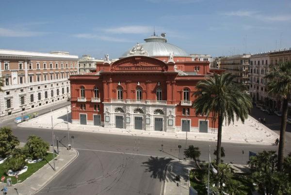 Il Teatro Petruzzelli apre alla città