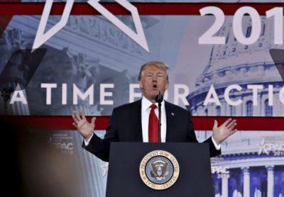 I democratici hanno annunciato i due capi d'accusa per l'impeachment a Trump