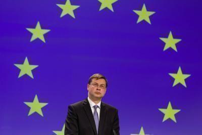 L'Europa ritocca stime crescita per l'Italia