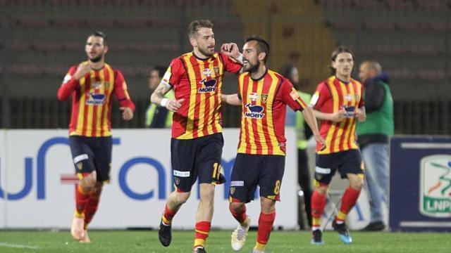 Lecce, vittoria e primo posto