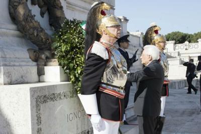 25 aprile, l'omaggio di Mattarella