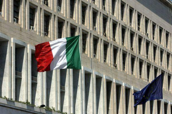 Maeci e cooperazione / covid, Farnesina: pianificare con la massima attenzione i viaggi all'estero