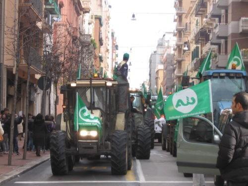 Migliaia di trattori da revisionare ma non ci sono officine