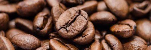 La polvere nera del caffè: un rito magico dal cammino femminino proibito