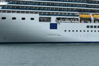 Nave sfiora la riva, paura a Venezia