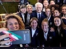 Mattarella incontra la nazionale di calcio femminile. Video