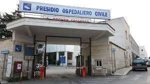 Emiliano inaugura il servizio di senologia dell'ospedale di Ostuni