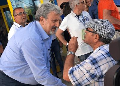 """Emiliano inaugura il """"nuovo"""" ospedale di Massafra"""