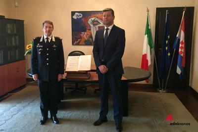 Carabinieri Tpc restituiscono a Croazia libro del XVII secolo