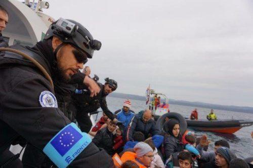 Frontex: i clandestini telefonano alle ong per farsi portare in Italia