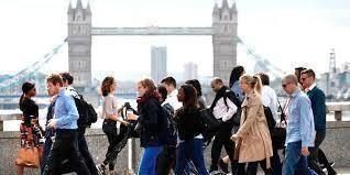 Regno Unito: il mercato del lavoro teso provoca l'aumento di salari