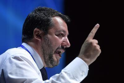 """Salvini: """"Mai preso un rublo"""""""