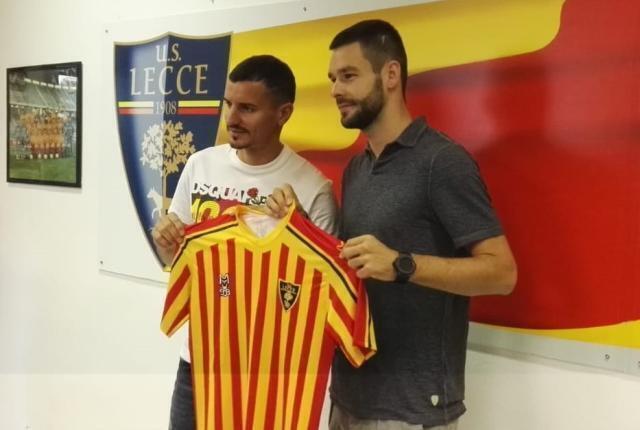 Il Lecce presenta i nuovi acquisti Benzar e Shakhov