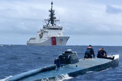 Tonnellate di coca nel sottomarino, il blitz da brividi