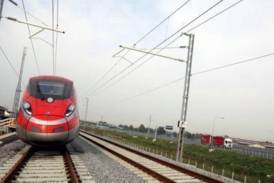 Dopo le proteste aumentano i treni, ma si dimenticano Foggia e Lecce.