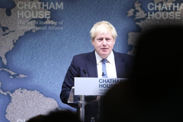 Bojo imbavaglia il Parlamento britannico