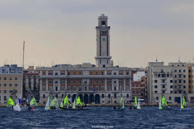 Circolo della Vela Bari la seconda giornata di prove dei campionati giovanili di vela