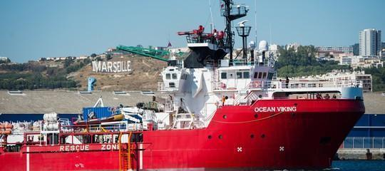 La Ocean Viking verso Taranto con 176 migranti a bordo