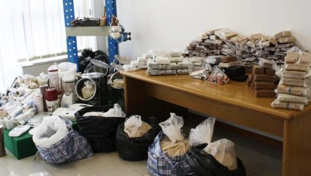 Fiumi di droga a Roma e picchiatori per recuperare i soldi, arresti anche in Calabria