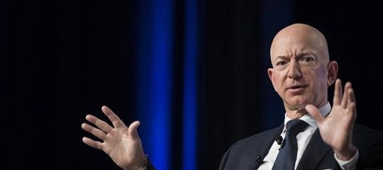 """Amazon non ci sta: """"Poche tasse in Italia? Paghiamo il dovuto"""