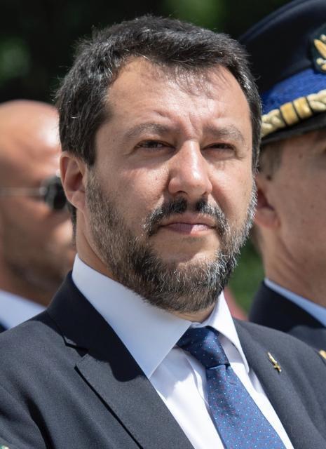 """Caso Gregoretti: al via la discussione in Giunta. Salvini: """"Rischio 15 anni"""""""
