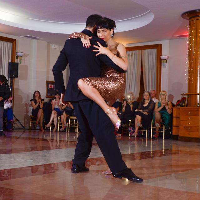 Trani inizia a passo di tango il nuovo anno