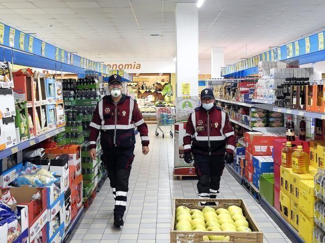 Misure Anticoronavirus. A Oria (Br) intervengono i Volontari Associazione Polizia di Stato