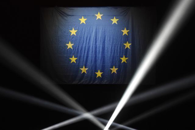 L'Unione europea chiude i confini, torna l'incubo dei supermercati vuoti