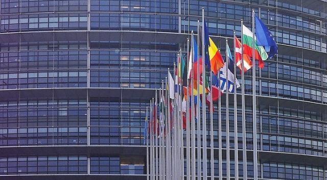 Ue: ok del parlamento di Strasburgo al Mes e ai recovery bond