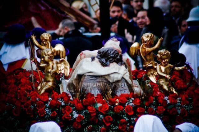 Il venerdi' santo al tempo della pandemia.Una passione che rigenera passioni