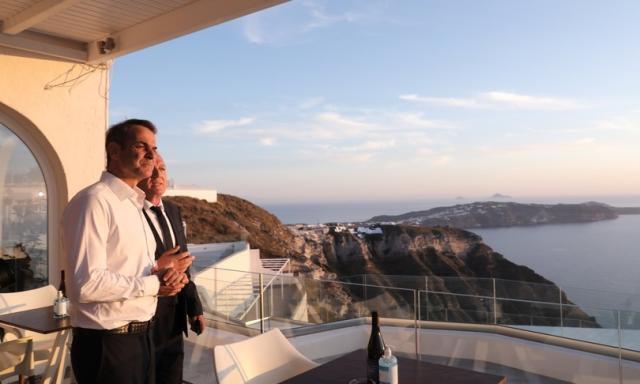 """""""Da lunedì la Grecia 'riapre' ai vacanzieri"""", dice il premier"""