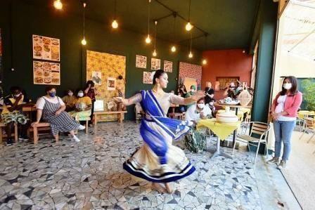 Apre a Bari il bistrot sociale multietnico: formazione e ristorazione per unire le culture del mondo