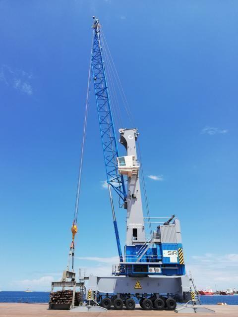 """Sir s.p.a. e Alba leasing una nuova """"gru eco-efficiente"""" arriva nel porto di brindisi"""