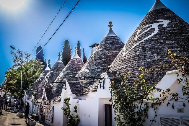 Alberobello: città dei trulli e delle famiglie in finale. Votiamo Alberobello