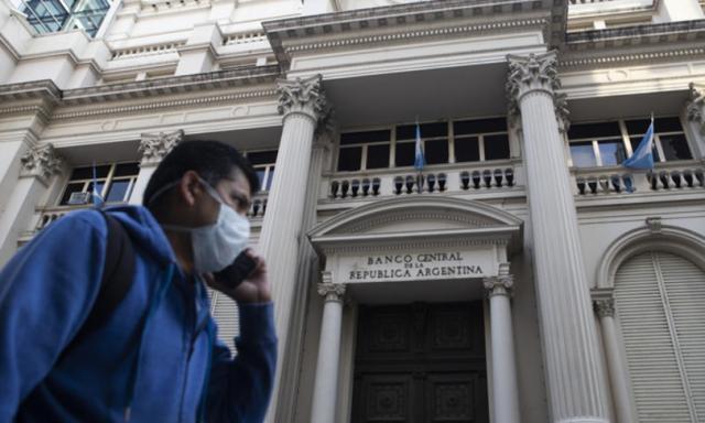 """L'accorato appello dell'Argentina ai creditori: """"Non riduceteci alla fame"""""""