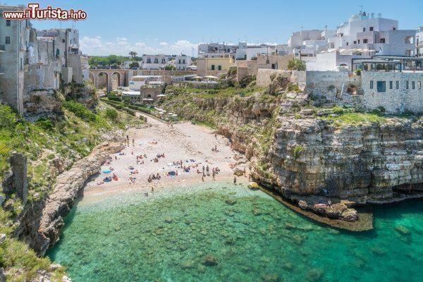 Viaggiare in Puglia: Polignano a Mare, le più belle vacanze in Italia