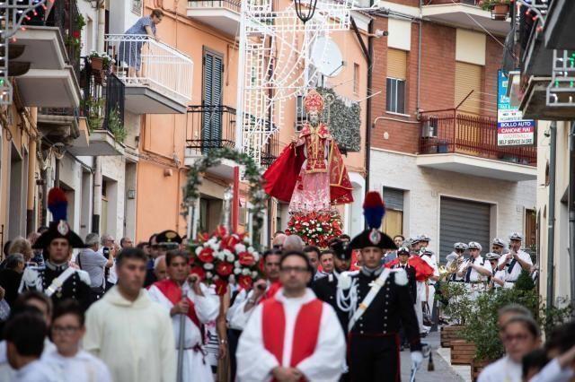 Biccari, in un libro 101 fotografie per il Patrono San Donato