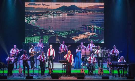 Renzo Arbore porta la canzone napoletana in tour