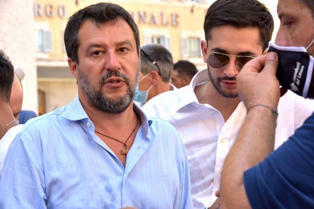Castellana Grotte accogliera' Matteo Salvini per fargli dire liberamente le sue opinioni politiche